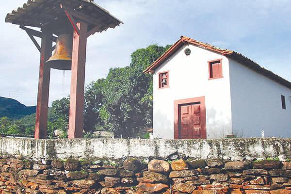 Capela de Santo Antônio do Pompéu no Bairro Pompéu - EM Sabará