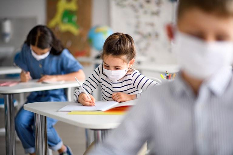 Estudantes de 0 a 9 anos de escolas particulares voltam às aulas presenciais em Sabará