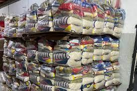 Nova etapa de distribuição de cestas básicas para alunos em Sabará